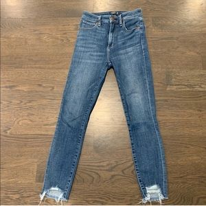 Abercrombie high rise jeans w/ ripped hem